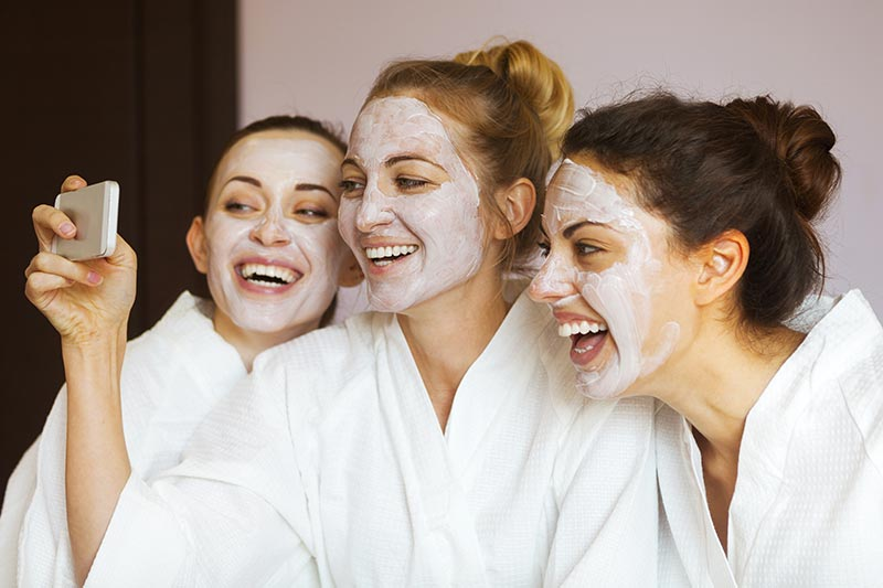 women taking selfie at the spa, spa day, day spa