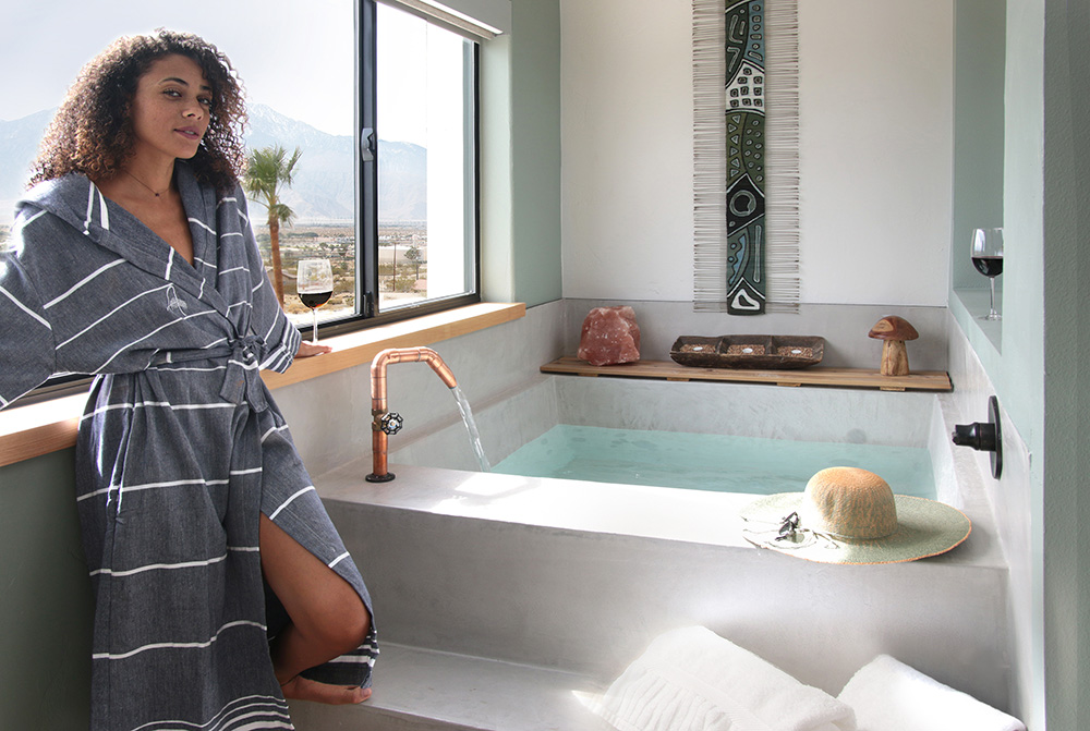 Room Accommodations, In-Room tub