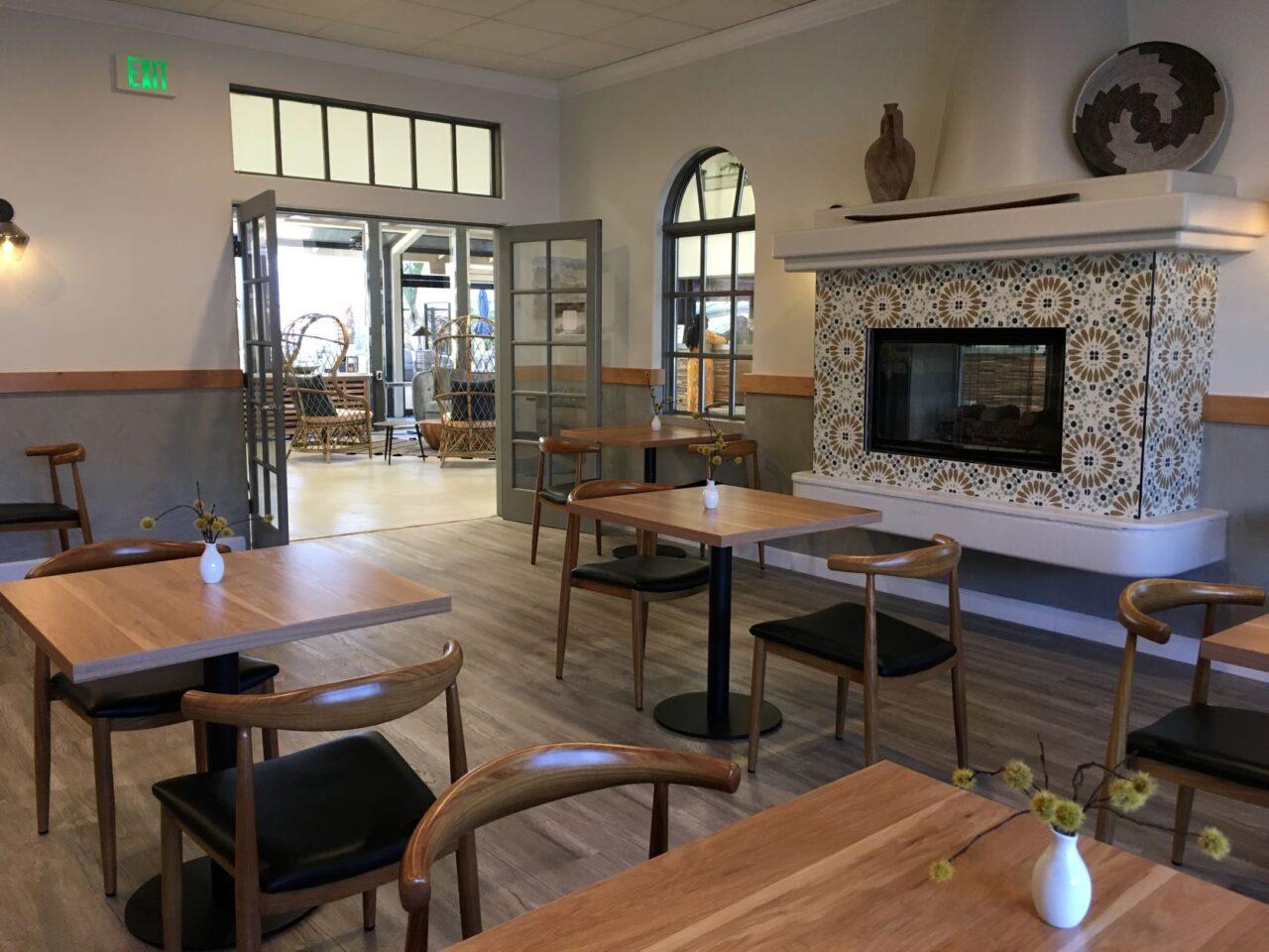 Azure Palm Café Seating